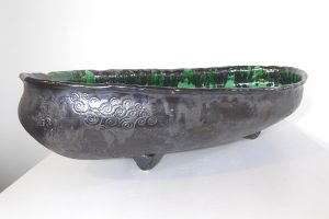 Oval bowl with green glazes inner, by Maria Brockhill
