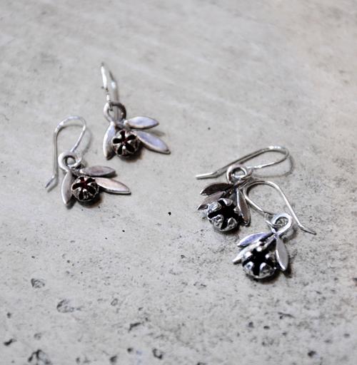 Martyn Milligan Kura Gallery Maori Art Design Aotearoa New Zealand Rinopai Jewellery Sterling Silver Ocre Garnet Manuka Earrings