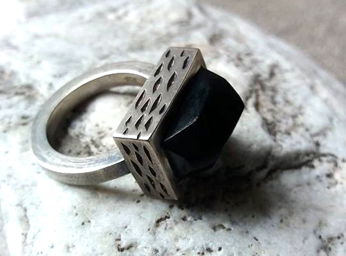 dark pou ring - Vaune Mason